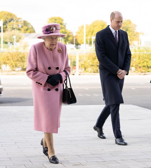 Елизавета II и Принц Уильям прибыли на долгожданное мероприятие