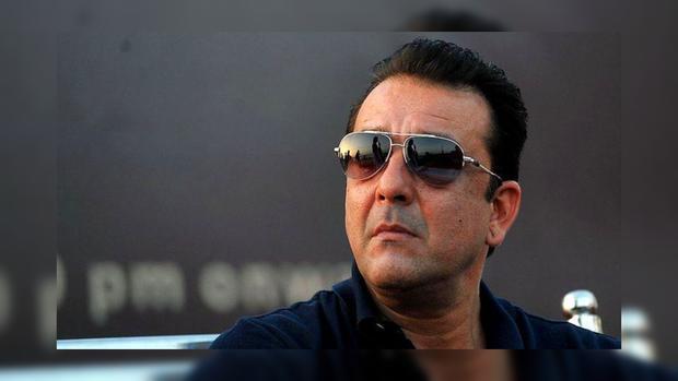 Индийский актер Санджай Датт в солнцезащитных очках