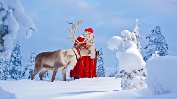 город Рованиеми Санта Клаус с оленем