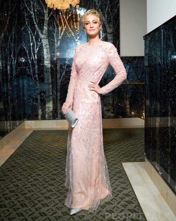 Полина Максимова в красивом платье