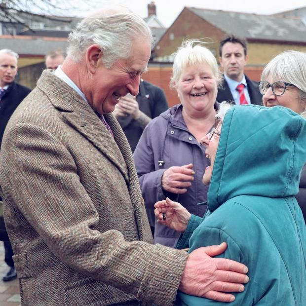 Принц Чарльз с британцами