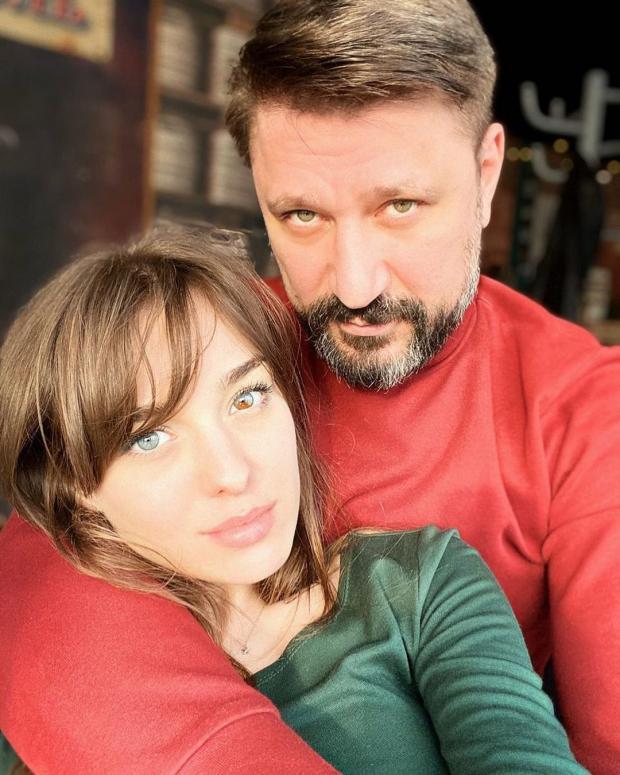 Виктор Логинов с невестой