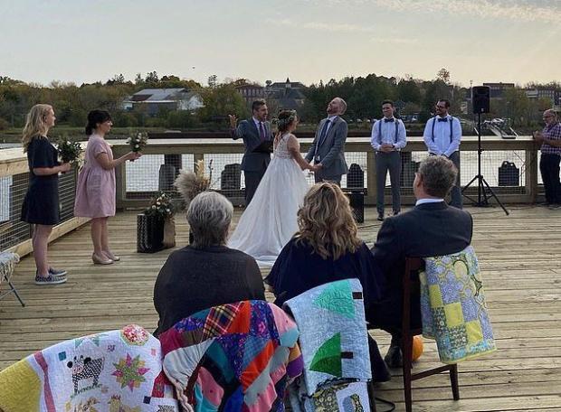 Свадьба на границе двух стран