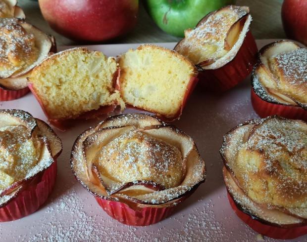Домашние маффины с яблоками