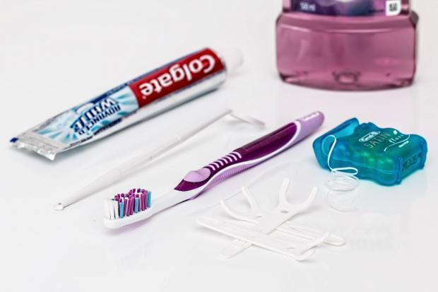 зубная паста, щетка, нить