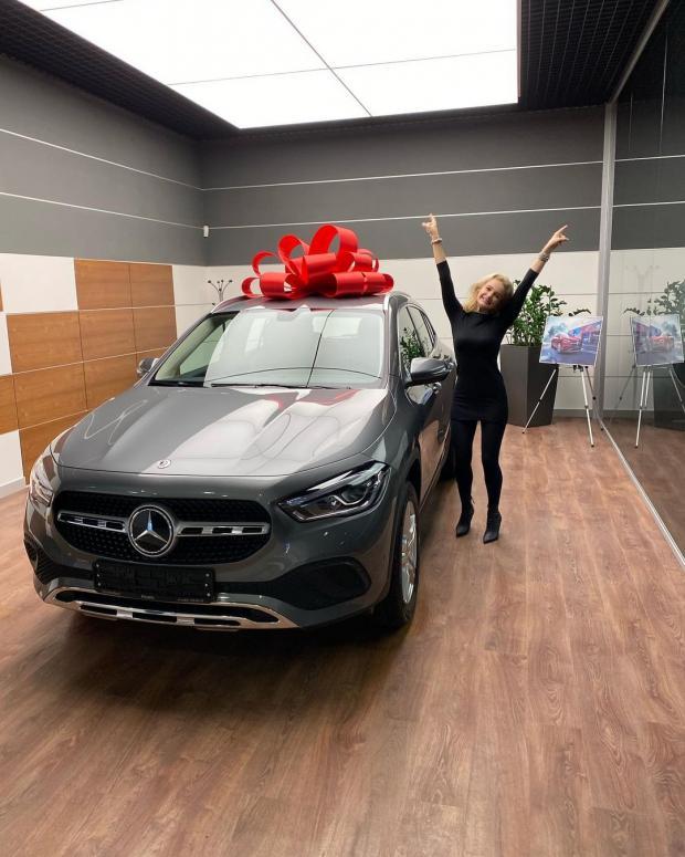 Дочь певицы Славы с новой машиной