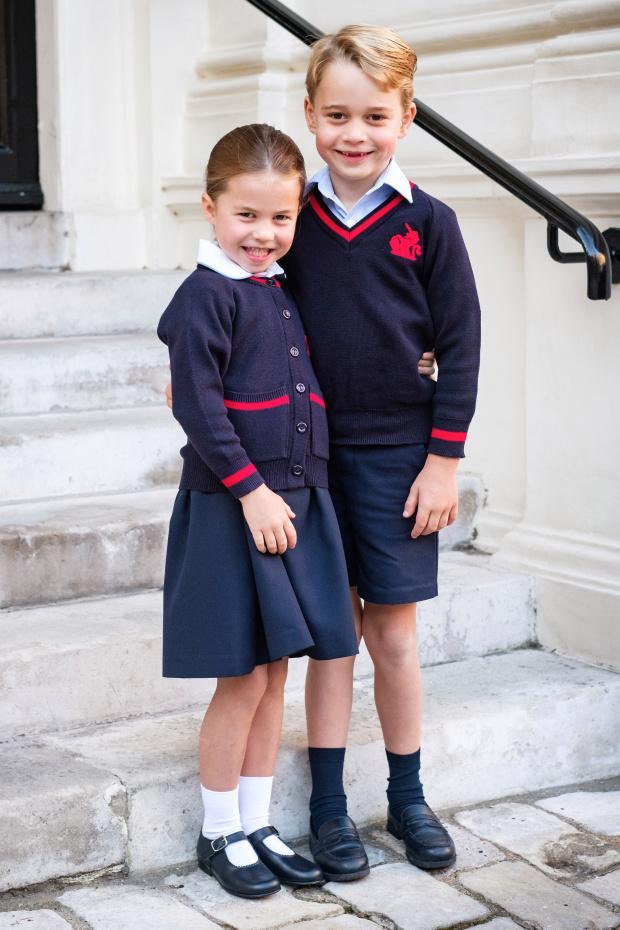 Принцесса Шарлотта и Принц Джордж в школьной форме