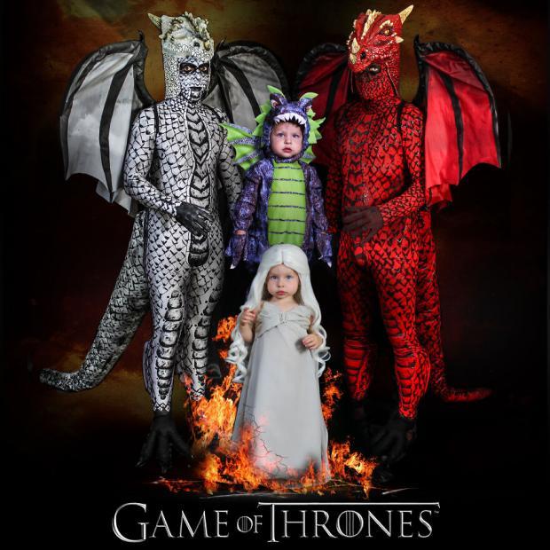 Родители и сын в костюмах драконов, а девочка - Мать Драконов