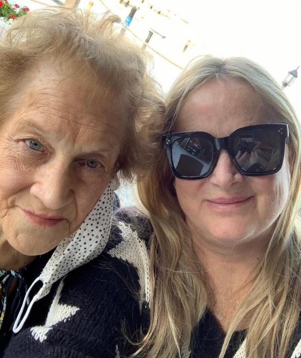 Мама и сестра Шэрон Стоун