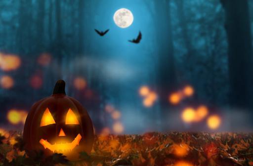 фонарь Джека в ночь на Хэллоуин