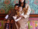 Королева Бутана с сыновьями