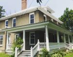 Находка в стенах 105-летнего дома позволит новым владельцам стать богаче на 65 000 долларов