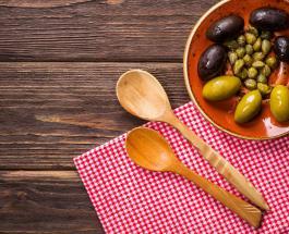 Деревянная ложка на кухне: преимущества и советы по правильному уходу за утварью