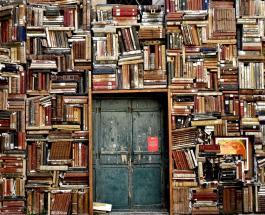 Сборщики мусора в Турции открыли библиотеку из книг собранных на свалке