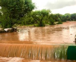 Сильное наводнение на греческом острове Крит затопило дома и превратило дороги в реки