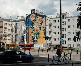 Вместо 720 деревьев: уникальная фреска в Варшаве поглощает уличный смог