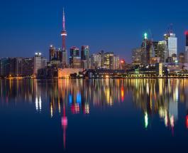 Крупнейший город Канады закрыт на 28-дневный карантин из-за массовой вспышки Covid-19