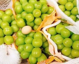 Редкий сорт винограда с ягодами больше куриного яйца обнаружили на рынке Вьетнама
