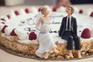 Смешные фото: нелепые свадебные торты разочаровавшие женихов и невест