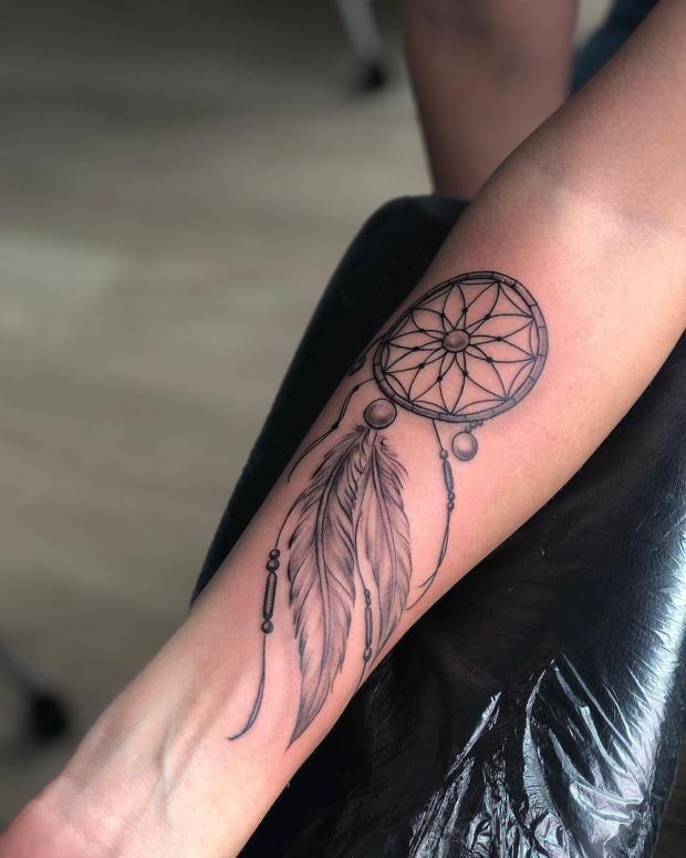 Татуировка в виде ловца снов
