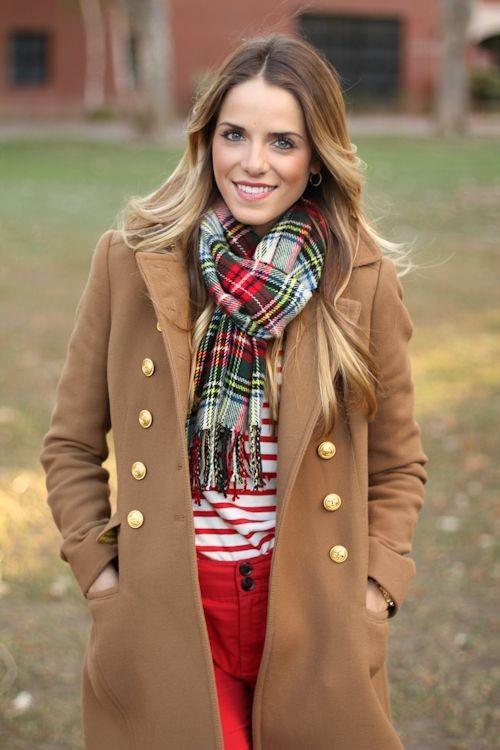 шарф завязан парижским узлом