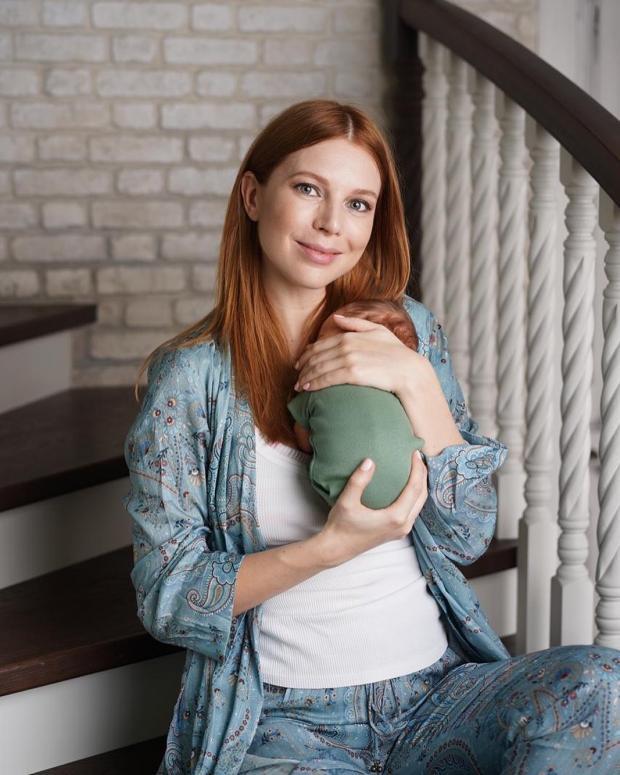 Наталья Подольская с новорожденным сыном
