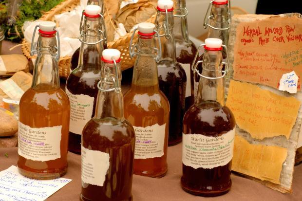 яблочный уксус в бутылочках
