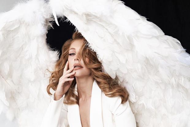 Тина Кароль в образе Ангела