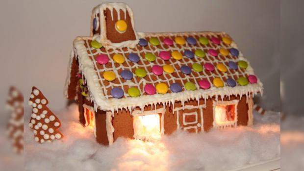 праздничный рождественский пряничный домик