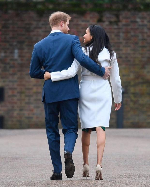 Принц Гарри и Меган Маркл уходят вдаль
