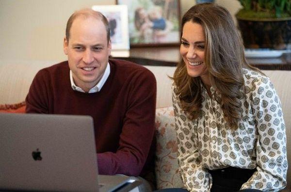 Принц Уильям и Кейт Миддлтон проводят видео-звонок