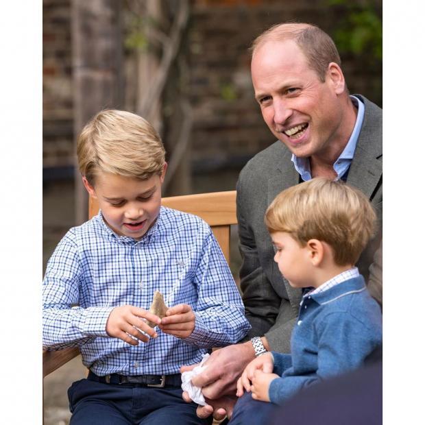 Принц Уильям в компании сыновей - Принца Джорджа и Принца Луи