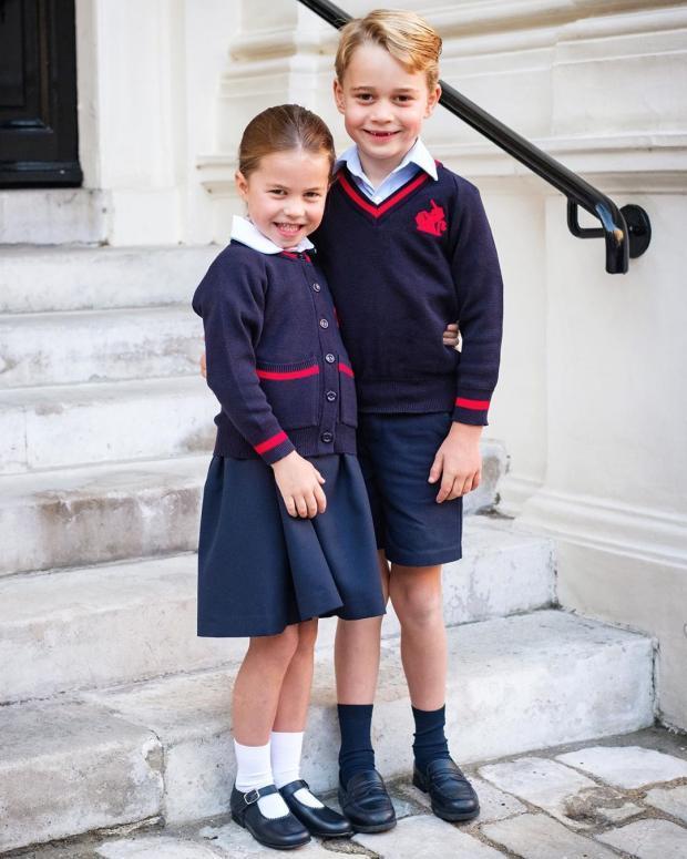 Принц Джордж и Принцесса Шарлотта в школьной форме