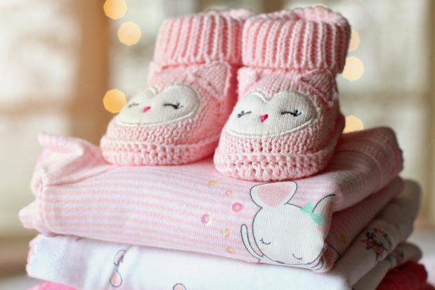 детские пинетки розового цвета