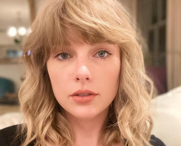 Красивая Тейлор Свифт