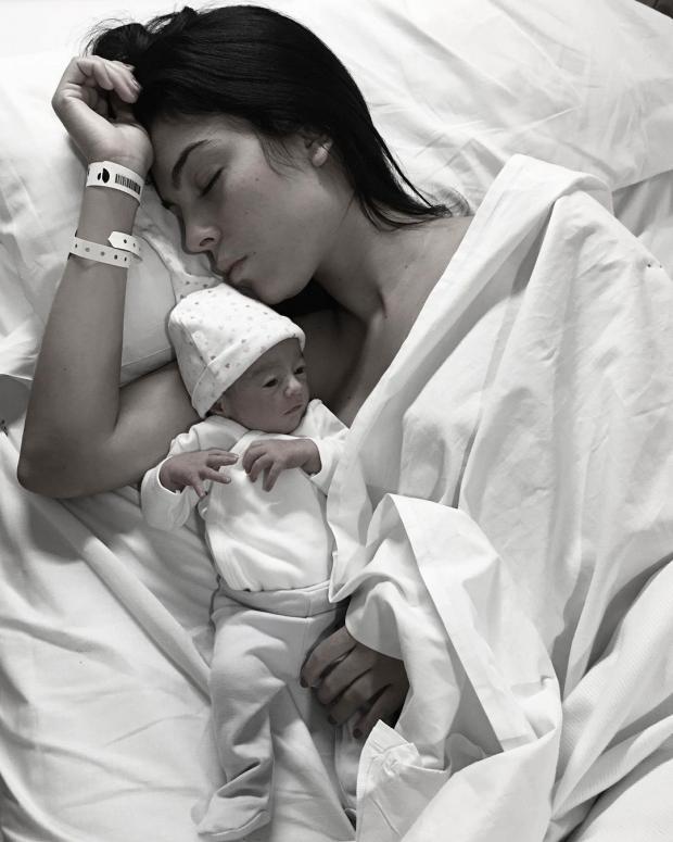 Невеста Криштиану Роналду в больнице после родов их общей дочери