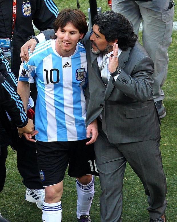 Диего Марадона наставляет Лео Месси