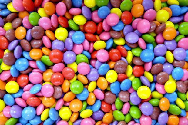 разноцветные круглые драже