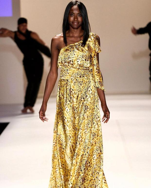 Принцесса Нигерии на подиуме