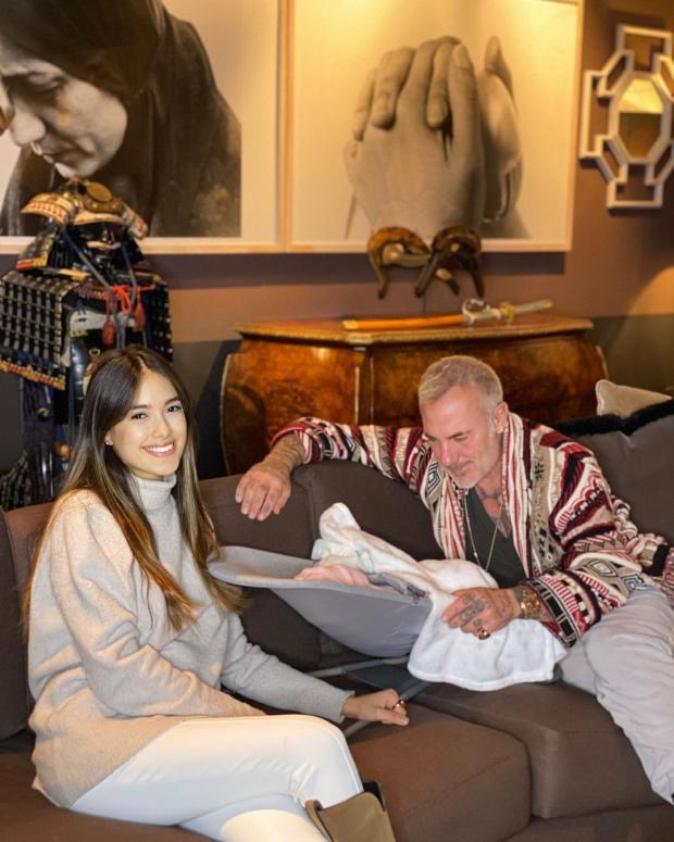 Джанлука Вакки проводит время с дочерью и невестой