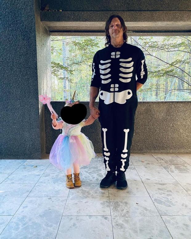 Норман Ридус с дочкой