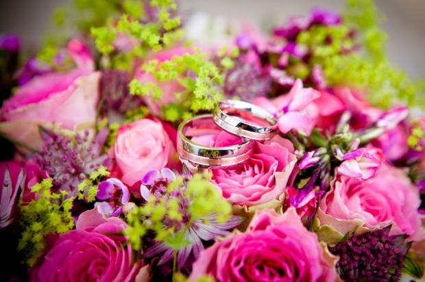 Кольца на цветах