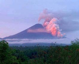 Извержение вулкана в Индонезии заставило сотни местных жителей покинуть свои дома