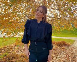 Ани Лорак в блестящем брючном костюме покорила фанатов красотой и молодостью