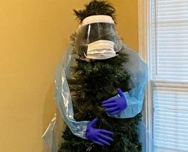 Маски и туалетная бумага вместо игрушек - тренд украшения елок в период пандемии