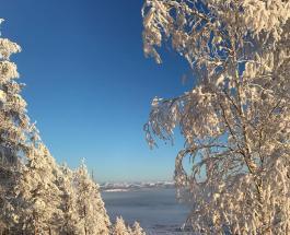 Красивая природа сибирского поселка Оймякон в котором дети ходят в школе при -50 на градуснике