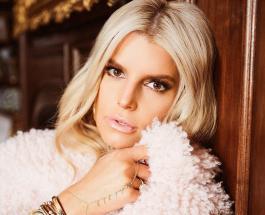 Джессика Симпсон в облегающем комбинезоне: певица не перестает восхищать стройностью