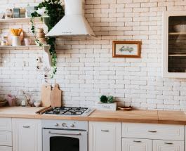 Генеральная уборка перед Новым годом: как очистить кухонную вытяжку от жира и грязи
