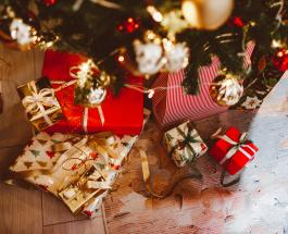 С наступающим Новым Годом: красивые открытки и забавные поздравления для близких