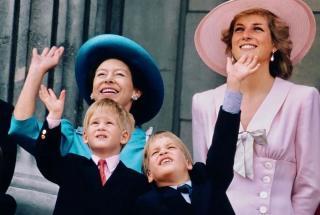 Редкое видео с участием Принцессы Дианы и маленького Принца Уильяма попало в сеть